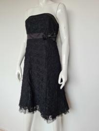 Bandorera strapless jurk. Mt. 40. Zwart/kant.