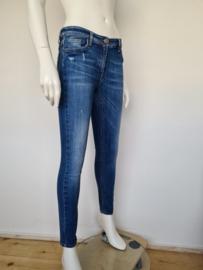 Elisabetta Franchi jeans. Mt. 30.Blauw/ damaged.