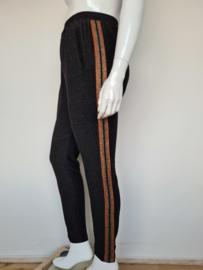 Summum pantalon. Mt. 42 Zwart/lurex.
