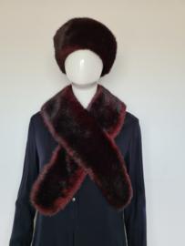 Biss Art hoed en shawl. Bordeaux/faux fur.