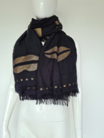 Claudia Sträter shawl. Zwart/goudkleurig.