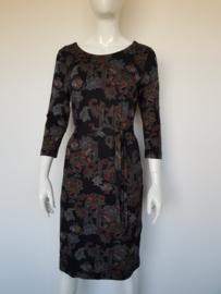 Expresso jurk. Mt. L. Zwart/print.