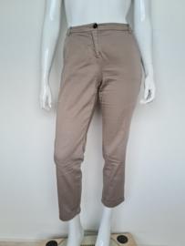 Marc Cain pantalon. Mt. 4. Lichtgrijs.