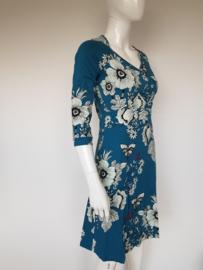Tante Betsy jurk. Mt. M. Blauw/bloemenprint.