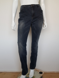 Jeans Geischa. Mt. 2XL. Donkerblauw.