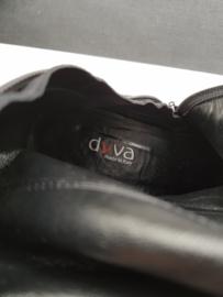 Hoge laarzen Dyva. Mt. 38. Zwart suède.