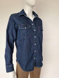 Levi's 'Essential Western' denim blouse. Mt. M. Donkerblauw.