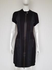Orwell jurk. Mt. 40. Zwart.