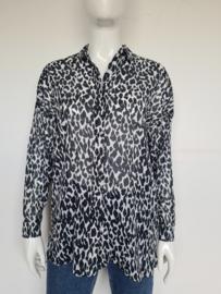 Joline Jolink blouse. Mt. S. Dierenprint.