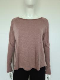 American Vintage sweater. Mt. M. Oudroze.