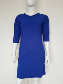L.O.E.S. (Studio Anneloes) jurk. Mt. L. Koningsblauw/ travelstof.