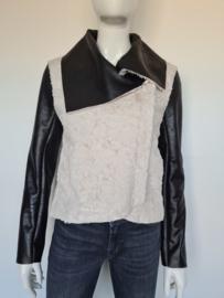 FC Jeans jasje. Mt. 38. Zwart/teddy