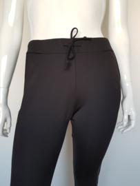 Sweatpants Circle of Trust style Robyn Jogg. Mt. XL. Zwart/wit.