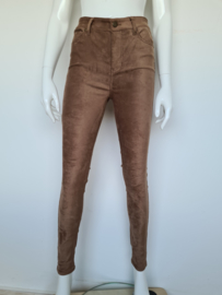 Liverpool pantalon. Mt. 40. Bruin/ suedine.