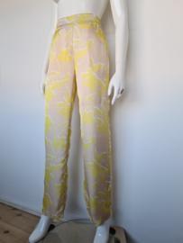 Thelma & Louise pantalon. Mt. 40. Geel/beige.