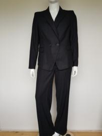 Two piece set (blazer en broek) van Expresso. Mt. 46. Grijs/gestreept.