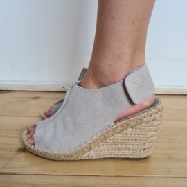 Wedges Yaya. Mt. 38. Grijs/suede.