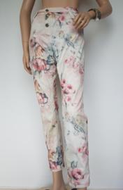 Jeans Please. Mt. M. Crème/bloemenprint.