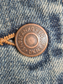 DKNY denim jasje. Mt. M. Blauw.