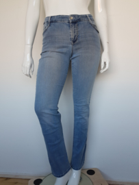 MAC Carrie Pipe jeans. Mt. 42/32. Lichtblauw.