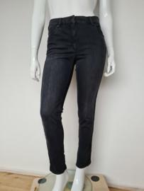 Zerres jeans sensational. Mt. 42. Grijs.