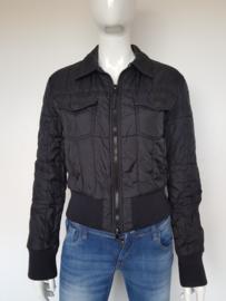 Armani Jeans jasje. Mt. 40. Zwart.
