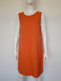Jones jurk. Mt. 42. Oranje.