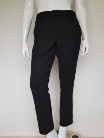 Cropped pantalon Expresso. Type Hennie. Mt. 42. Zwart.