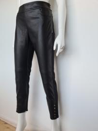 Elisabetta Francht cropped pantalon. Mt. 40. Zwart/ritsjes