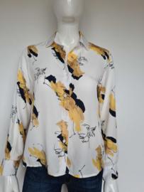 Rhumaa blouse. Mt. S. Crème/print.