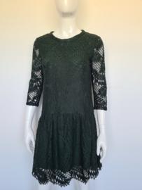 Second Female Hortensia dress. Mt. M. Donkergroen.