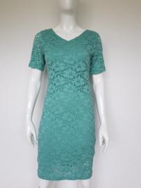 Anna van Toor jurk. Mt. 36. Groen/kant.