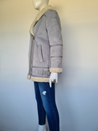 Zara lammy coat. Mt. M. Grijs.