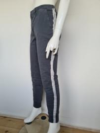 Penn & Ink pantalon. Mt. 40. Grijs/streep.