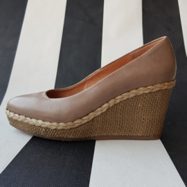 Pumps met sleehak Via Vai. Mt. 36. Beige.