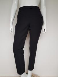 Cropped pantalon Yaya. Mt. 42. Zwart