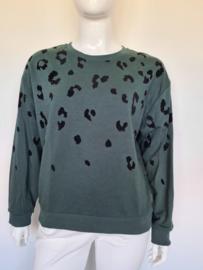 Catwalk Junkie sweater. Mt. XL. Groen/dierenprint.