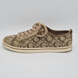 Guess sneakers. Mt. 39.5. Weefselmix/print.