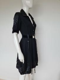High jurk. Mt. 36. Zwart