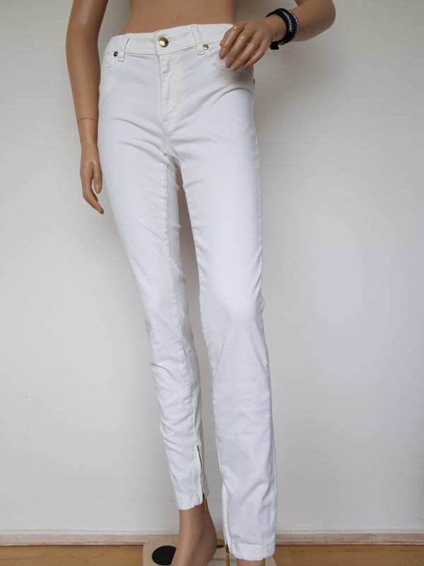Skinny Leg Just Cavalli. Mt. 29. Off white/goudkleurig.