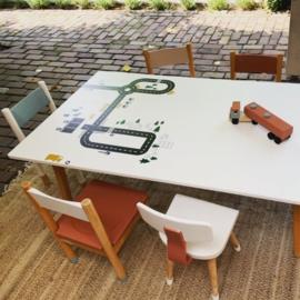 Speeltafels en -stoeltjes