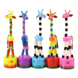 H 040 ( wooden pushing puppet giraffe )