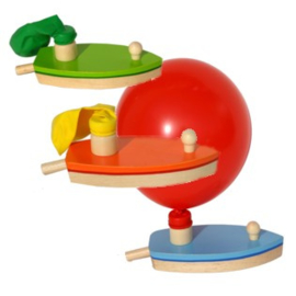 H 067 ( wooden balloon powered boat ) ----- 6 pcs in display