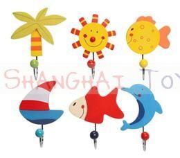 H 015 ( wooden hooks sea ) ----- 24 pcs in display