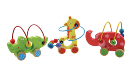 H 007 ( wooden push along bead frame crocodile, elephant and giraffe )  ----- 6 pcs in display