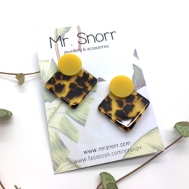 Square earrings // yellow leopard