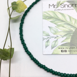 Beaded choker necklace // jungle green