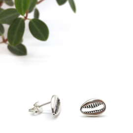 Cowrie shell earrings // 925 Sterling silver