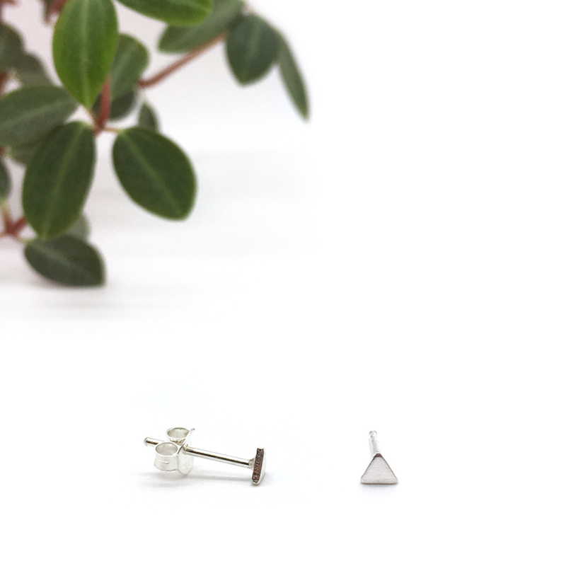 Mini triangle earrings // 925 Sterling silver