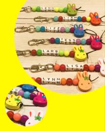 Konijnen sleutelhanger diverse kleuren